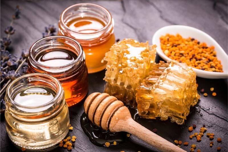 Le miel fait-il grossir ?